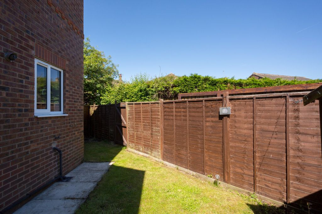 3 bed house for sale in Moorland Gardens, Copmanthorpe, York 11