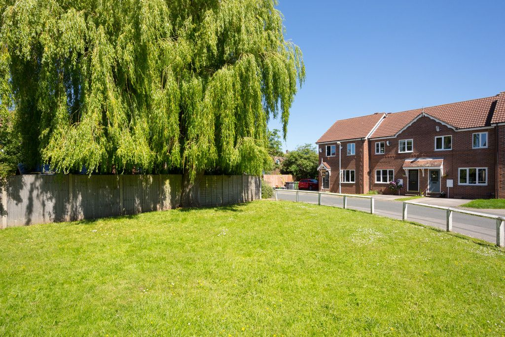 3 bed house for sale in Moorland Gardens, Copmanthorpe, York 12