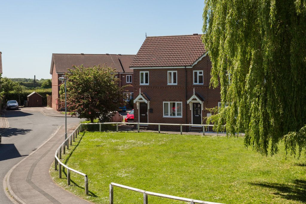 3 bed house for sale in Moorland Gardens, Copmanthorpe, York 13