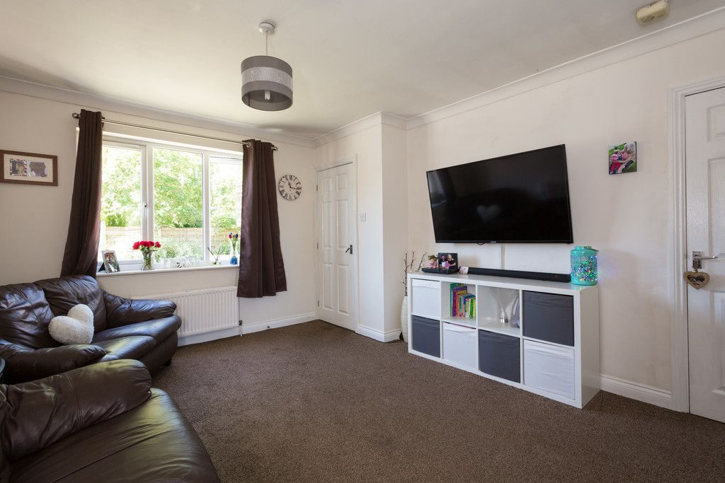 3 bed house for sale in Moorland Gardens, Copmanthorpe, York 4