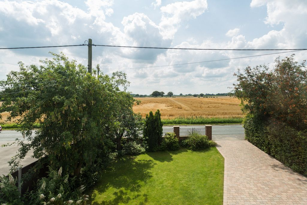 4 bed house for sale in Temple Lane, Copmanthorpe, York  - Property Image 9