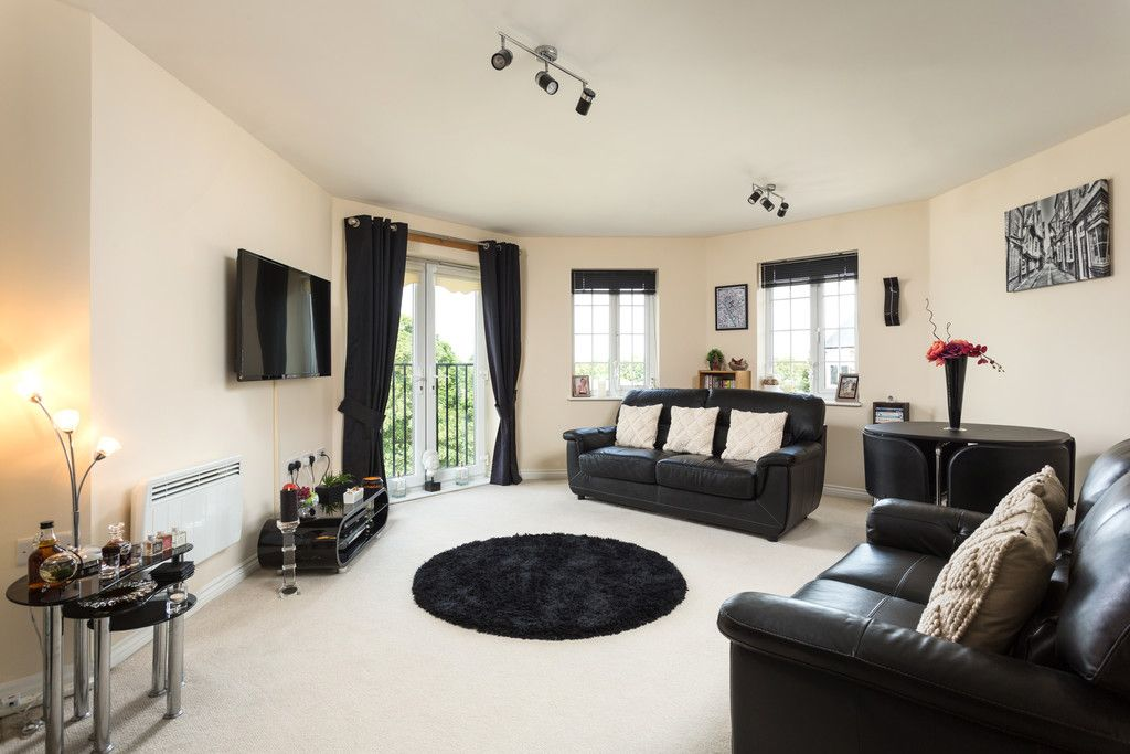 2 bed flat for sale in Scholars Court, Principal Rise, Dringhouses, York  - Property Image 3