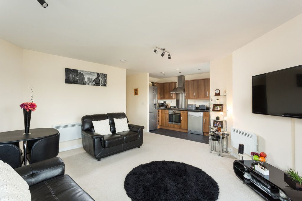 2 bed flat for sale in Scholars Court, Principal Rise, Dringhouses, York  - Property Image 4