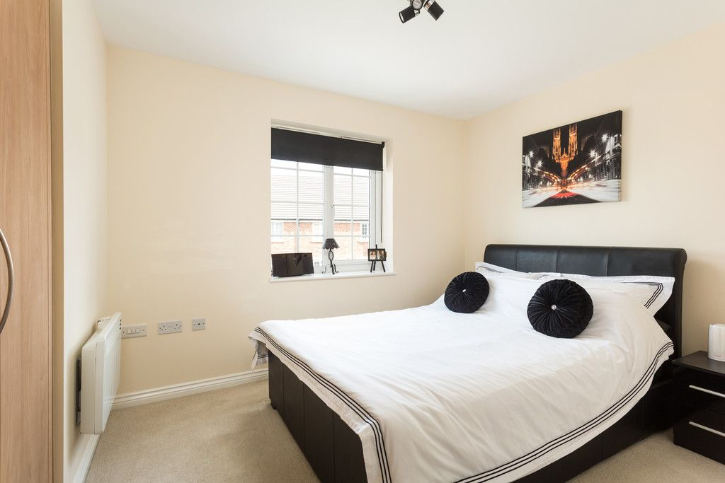 2 bed flat for sale in Scholars Court, Principal Rise, Dringhouses, York  - Property Image 5