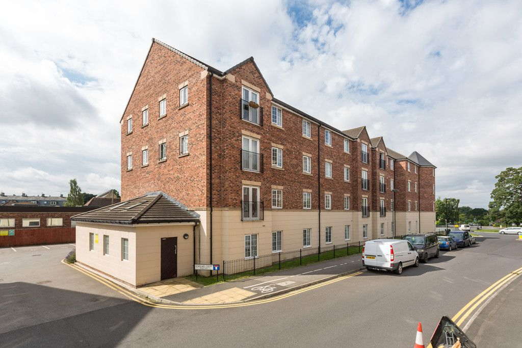 2 bed flat for sale in Scholars Court, Principal Rise, Dringhouses, York  - Property Image 9