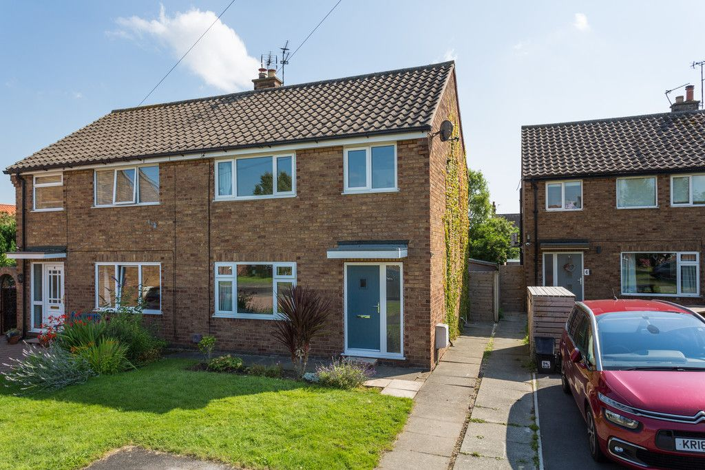 3 bed house for sale in Horseman Close, Copmanthorpe, York 1
