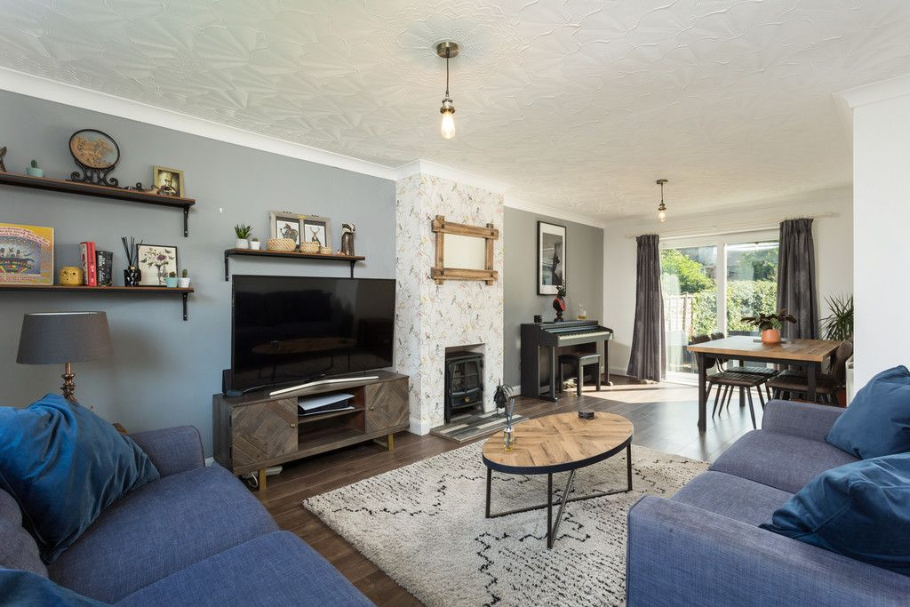 3 bed house for sale in Horseman Close, Copmanthorpe, York  - Property Image 2