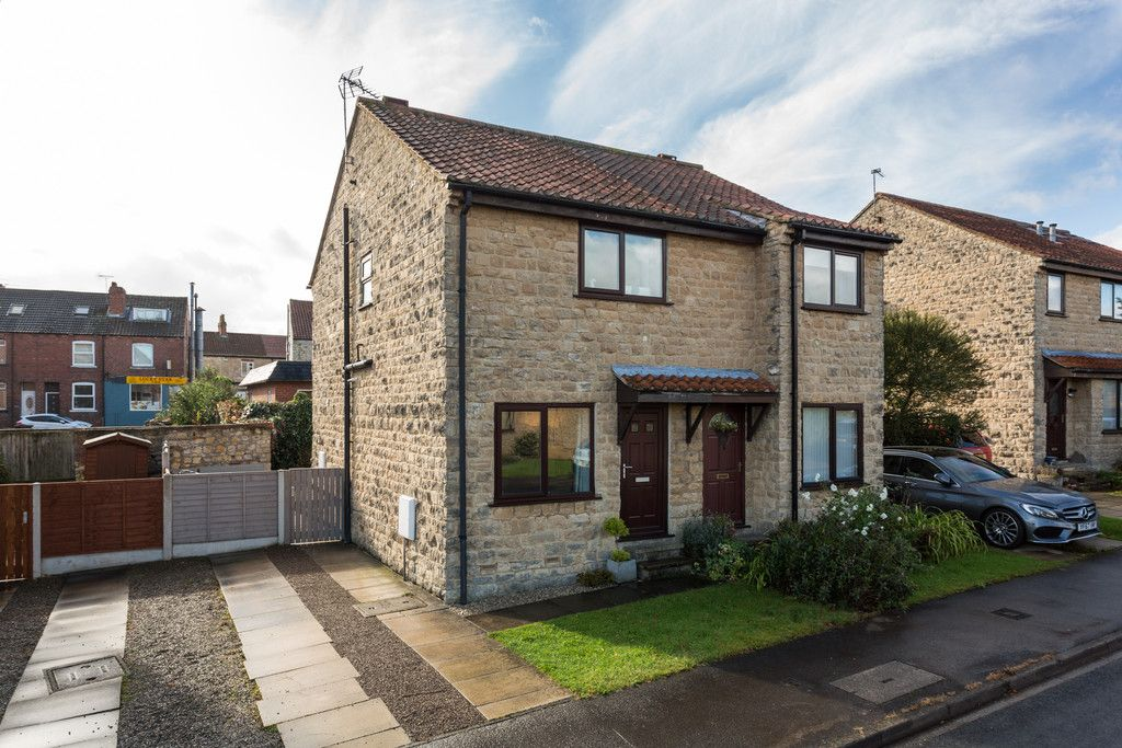 2 bed house for sale in Manor Road, Tadcaster, LS24