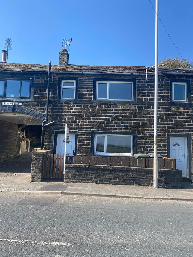 2 bed house to rent in Sunny Dale, BD13