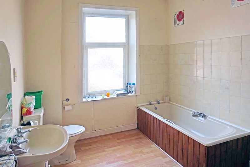 2 bed house for sale in Swires Terrace 7
