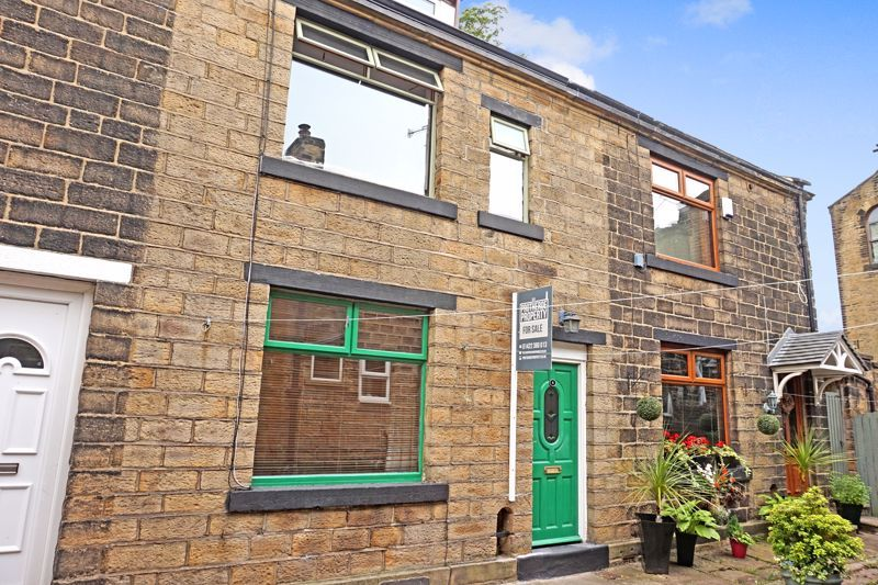 2 bed house for sale in Hardhill Houses, BD16