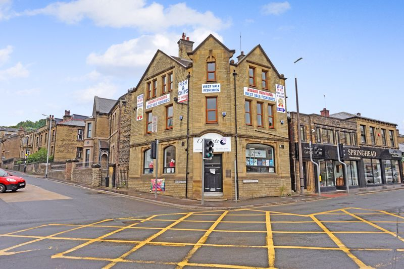 to rent in Stainland Road, HX4