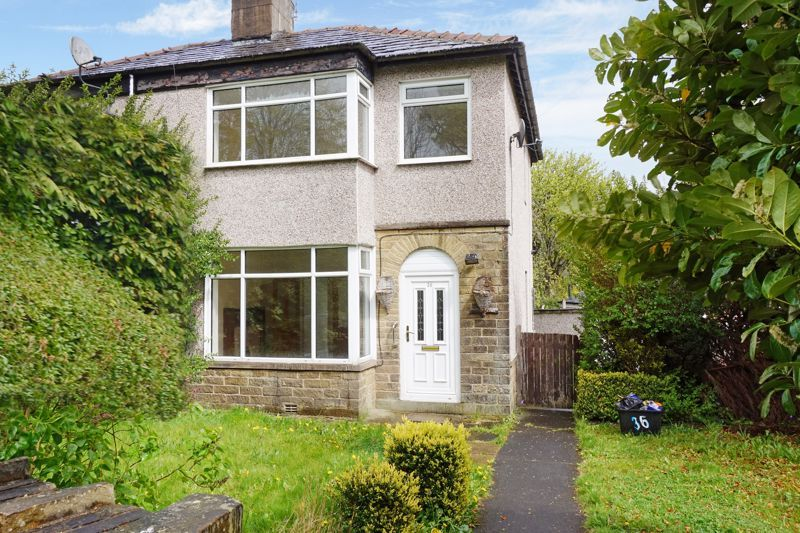 3 bed house for sale in Cousin Lane, HX2