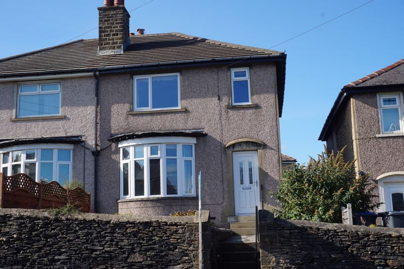3 bed house for sale in Oakworth Road, BD21
