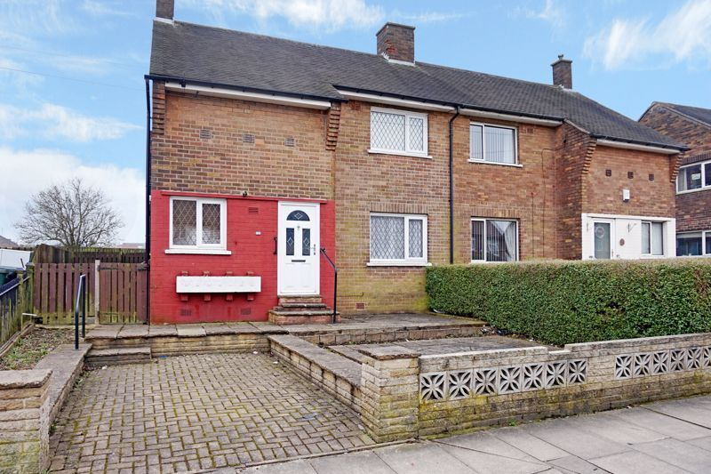 3 bed house for sale in St. Margarets Avenue 1