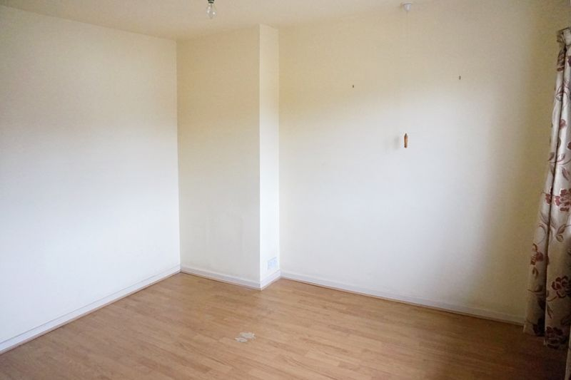 3 bed house for sale in St. Margarets Avenue  - Property Image 12