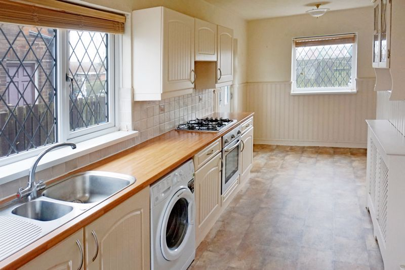 3 bed house for sale in St. Margarets Avenue  - Property Image 3