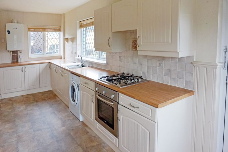 3 bed house for sale in St. Margarets Avenue  - Property Image 4