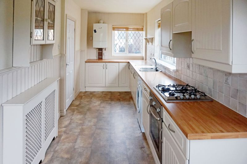 3 bed house for sale in St. Margarets Avenue 5