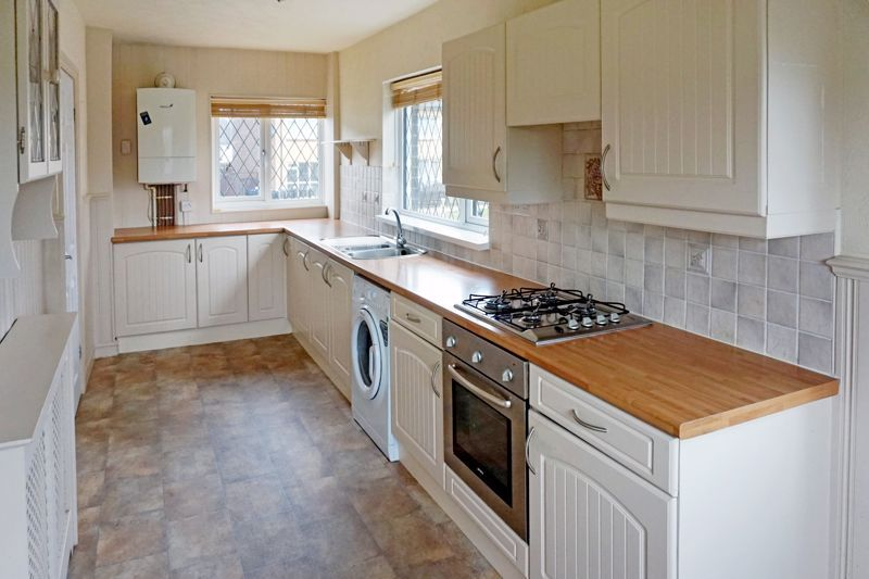 3 bed house for sale in St. Margarets Avenue 7