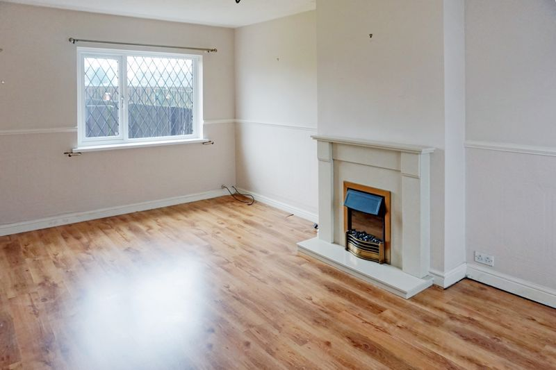 3 bed house for sale in St. Margarets Avenue 9