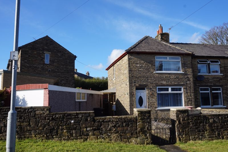 2 bed house for sale in Sandhall Green, HX2