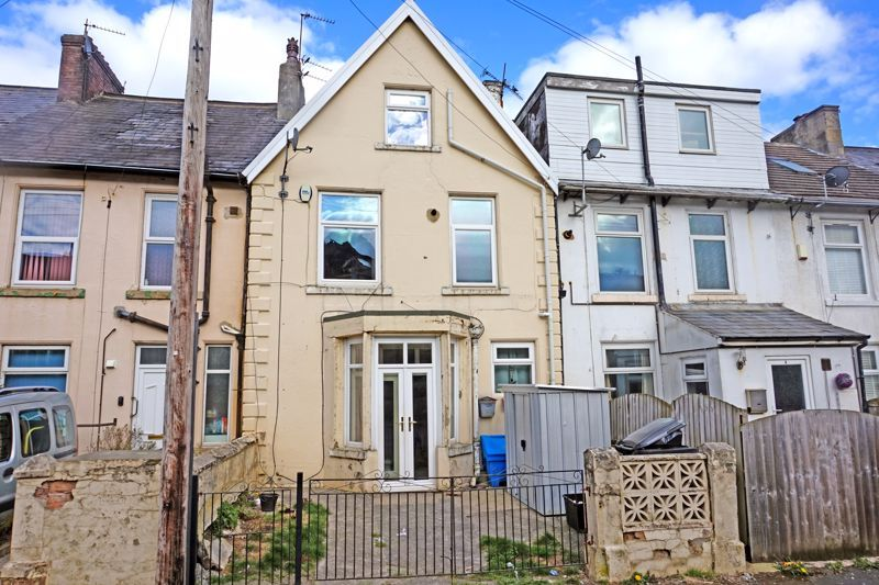 3 bed house for sale in Woodville Street, HX3