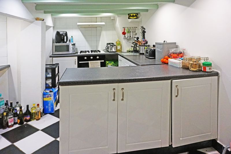 3 bed house for sale in Woodville Street 6