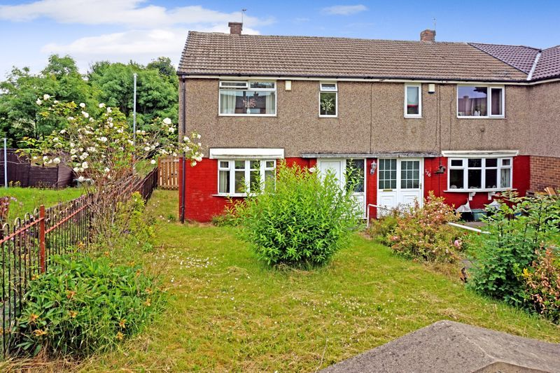 3 bed house for sale in Mixenden Road, HX2