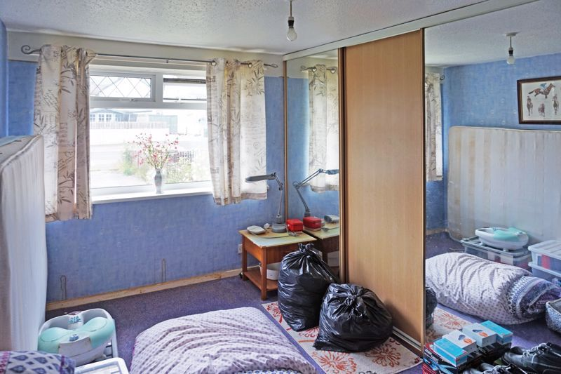 3 bed house for sale in Mixenden Road 11