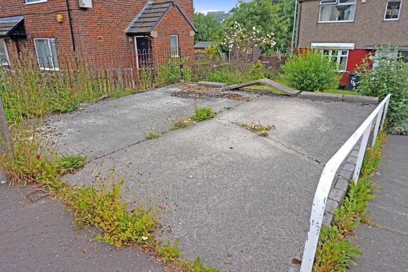 3 bed house for sale in Mixenden Road  - Property Image 3