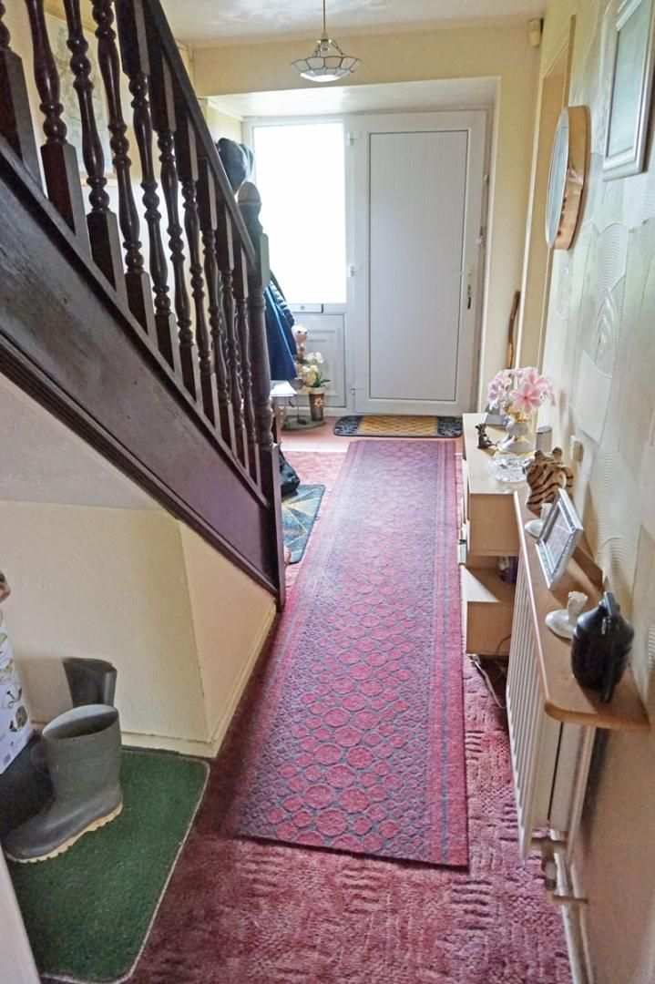 3 bed house for sale in Mixenden Road 5