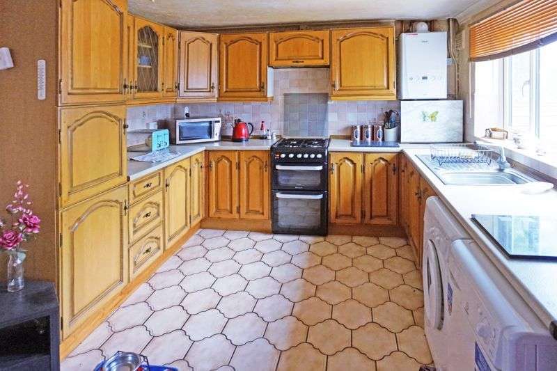 3 bed house for sale in Mixenden Road  - Property Image 8