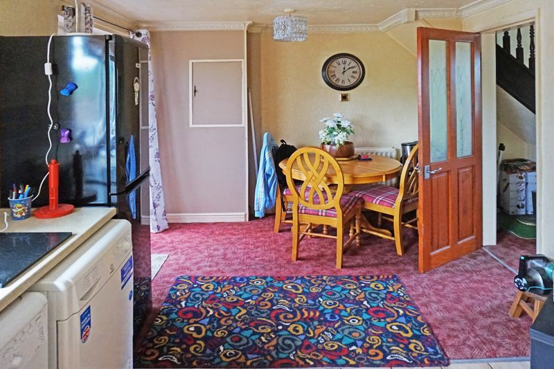 3 bed house for sale in Mixenden Road 9