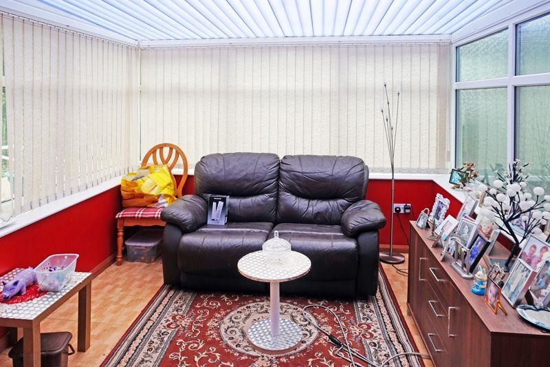 3 bed house for sale in Mixenden Road 10