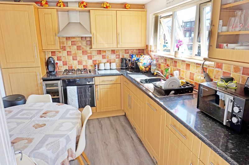 3 bed house for sale in Aislaby Heights 8