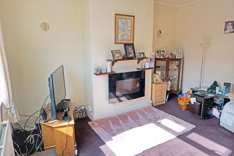 2 bed house for sale in Richmond Avenue  - Property Image 3