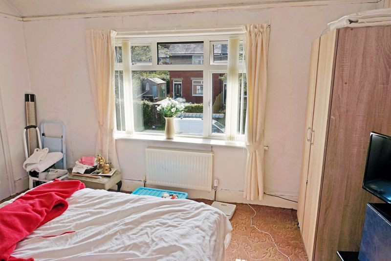 2 bed house for sale in Richmond Avenue 8