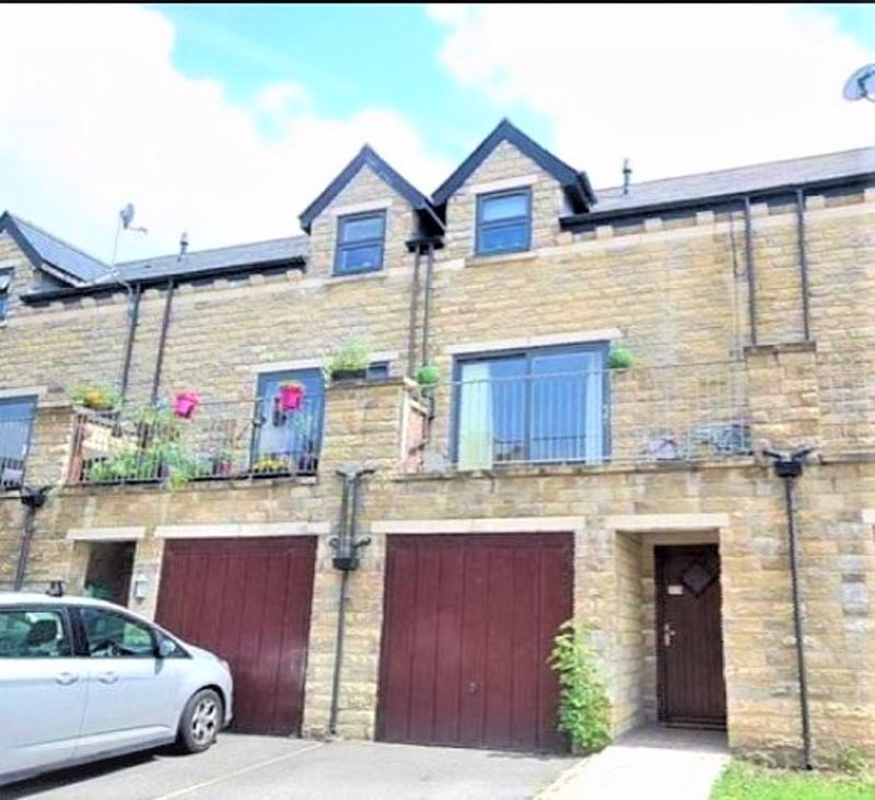 4 bed house for sale in Hebble View, HX3