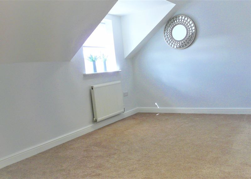 4 bed house for sale in Hebble View  - Property Image 13