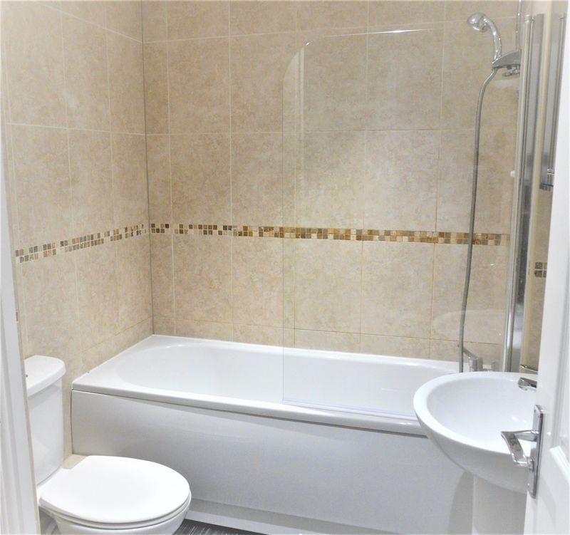4 bed house for sale in Hebble View  - Property Image 16