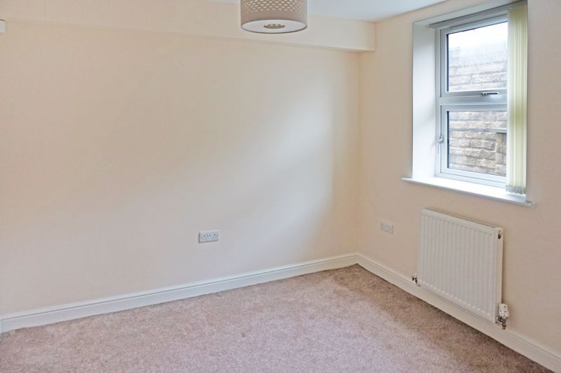 4 bed house for sale in Hebble View  - Property Image 3