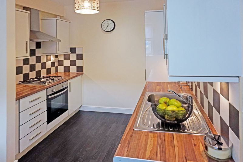 4 bed house for sale in Hebble View  - Property Image 6