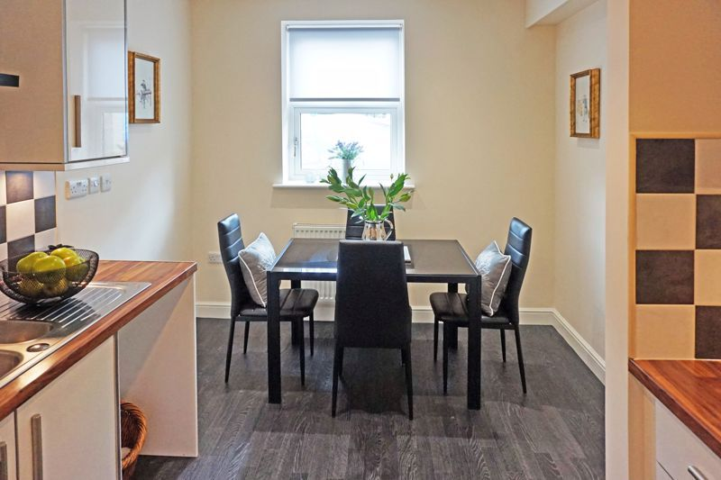 4 bed house for sale in Hebble View  - Property Image 8