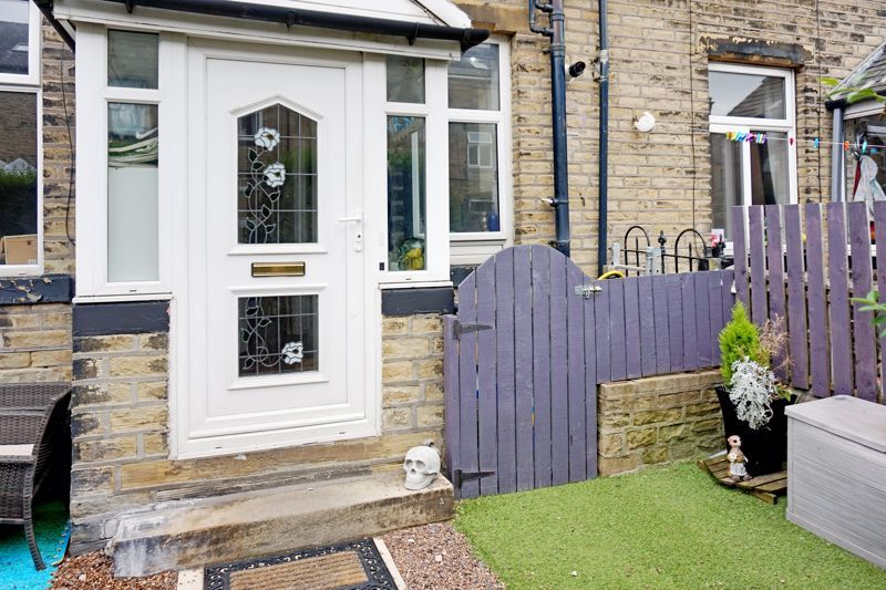 3 bed house for sale in Bell Hall Terrace 2