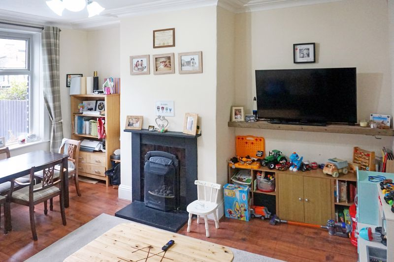 3 bed house for sale in Bell Hall Terrace 4