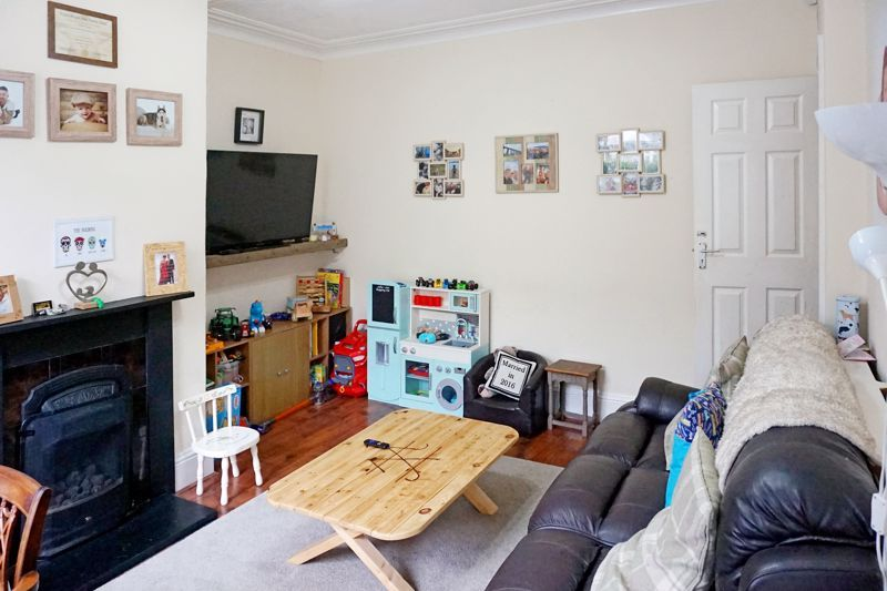 3 bed house for sale in Bell Hall Terrace 5