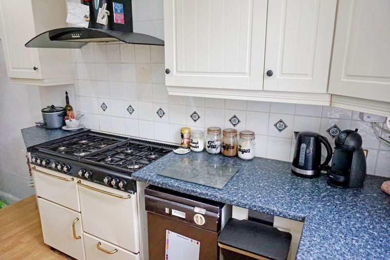 3 bed house for sale in Bell Hall Terrace 7