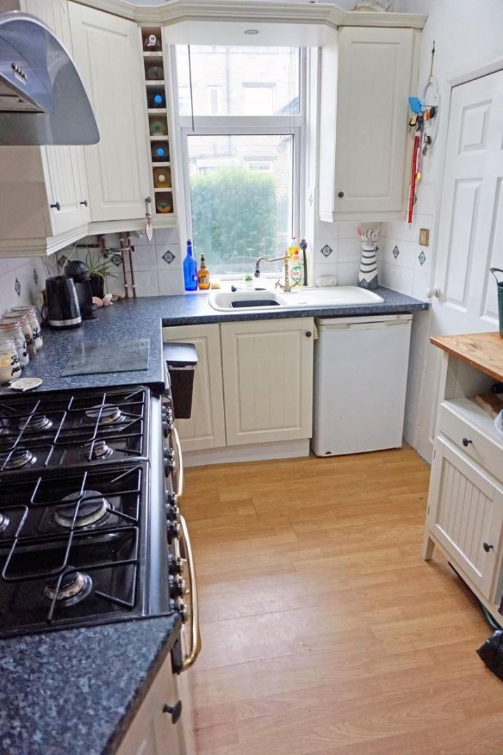 3 bed house for sale in Bell Hall Terrace 8