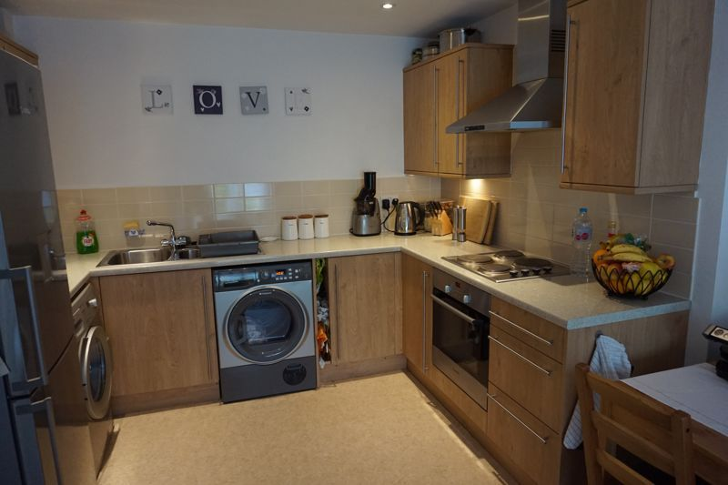 2 bed flat to rent in Brunswick Place 2